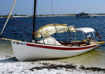 Shallow draft sailboat